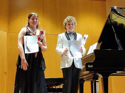 Los hermanos Aracil logran otros primeros premios de piano en Bosnia