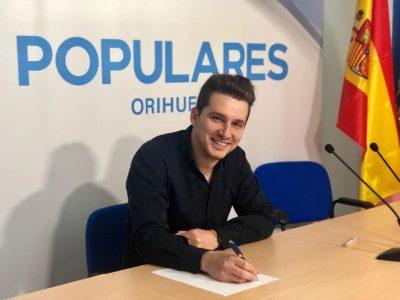 El PP oriolano exige a la Generalitat el abono de las becas universitarias
