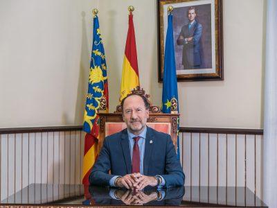 """""""Y todo sigue igual"""". Artículo de opinión de Emilio Bascuñana Galiano, alcalde de Orihuela"""