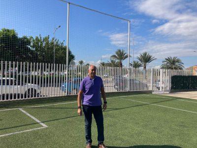 Orihuela repara el vallado perimetral del Centro Deportivo de la Costa