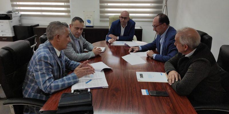 Orihuela firma un convenio para fomentar la modernización del área industrial