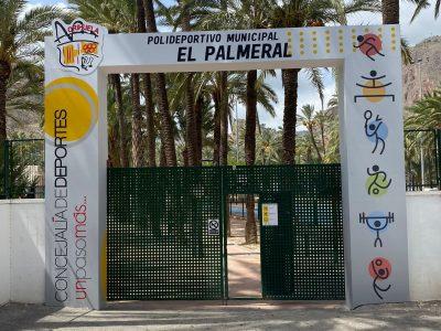 El polideportivo de Orihuela estrena nueva señalética e iluminación