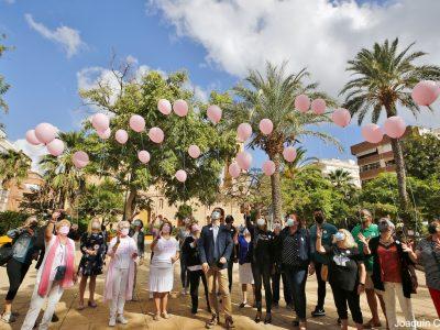 Torrevieja celebra el Día Mundial de la lucha contra el cáncer de mama